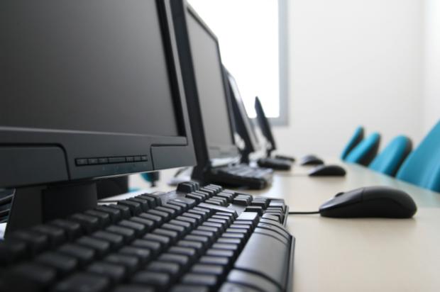 Pengertian, Kelebihan, Kekurangan Tipe Jaringan Komputer Client-Server dan Peer-to-Peer