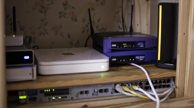 Pilih Mana, Jaringan Menggunakan Switch atau Access Point?