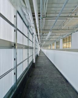 Foto - foto Ruangan Data Center Facebook - Two-Tier Cooling Penthouse