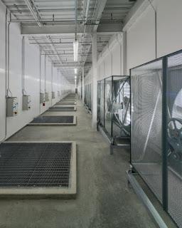 Foto - foto Ruangan Data Center Facebook - Mixing Room