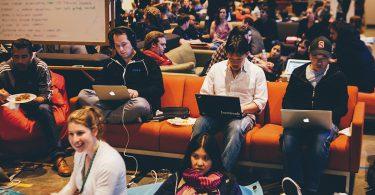 10 Perusahaan Ini Pernah Mencoba Mengakuisisi Facebook Ketika Baru Dirintis